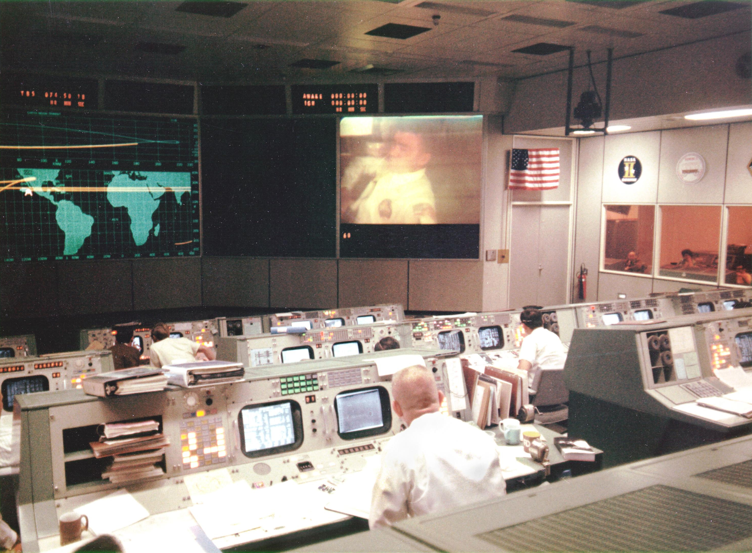 Mission_Operations_Control_Room_during_Apollo_13.jpg